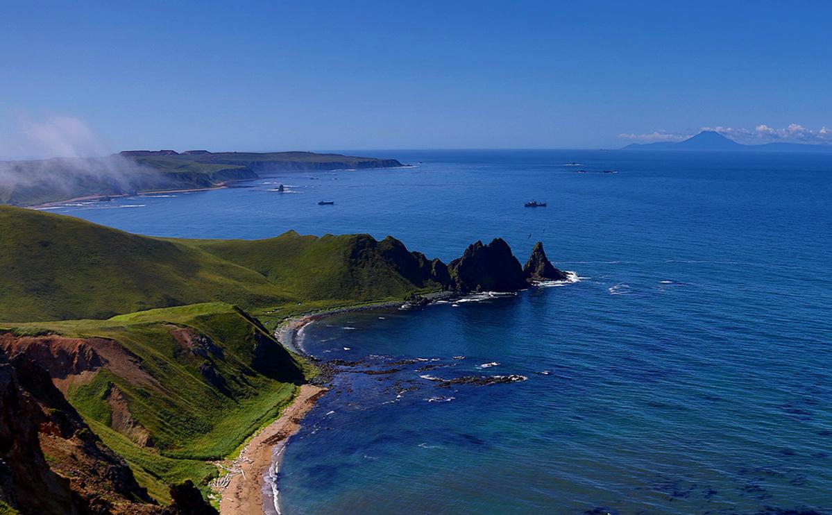 Уруп, остров южной группы Большой гряды Курильских островов
