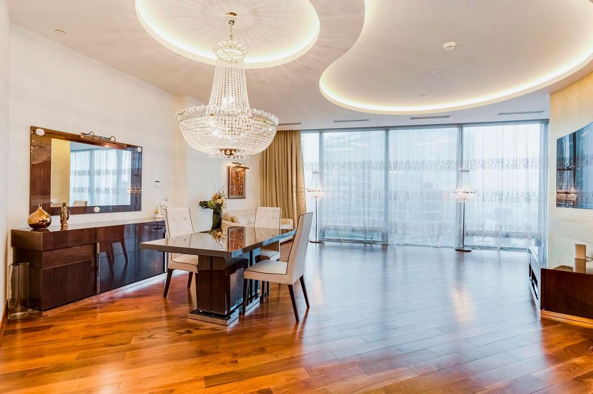 Двухкомнатные апартаменты в стиле ар-деко площадью 130 кв. м на 56-м этаже «Башни Федерация» в «Москва-Сити»