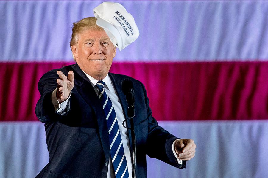 Полтора года назад миллиардер Дональд Трамп был избран президентом США. Статью для Time о нем написал его конкурент на выборах, сенатор-республиканец Тед Круз. «Тот факт, что его первый год в качестве главнокомандующего дезориентировал и огорчил членов СМИ и политический истеблишмент, не ошибка, а ожидаемое явление», — пишет он. По словам Круза, пристальное внимание к твитам президента отвлекаеттех, кто следит за ними, от того, что он делает для обычных американцев.  «В то время как ученые мужи одержимы его твитами, он работает с конгрессом, чтобы сократить налоги для нуждающихся семей. Пока богатые знаменитости объявляют о своем намерении покинуть США, он борется за возвращение рабочих мест и отраслей промышленности в нашу страну. Именно сильная позиция Трампа в отношении Северной Кореи заставила Ким Чен Ына прийти в себя, — считает Круз. — Президент Трамп делает то, для чего и был избран: нарушает статус-кво. Это пугает тех, кто контролировал Вашингтон на протяжении десятилетий, но для миллионов американцев следить за их замешательством крайне интересно».