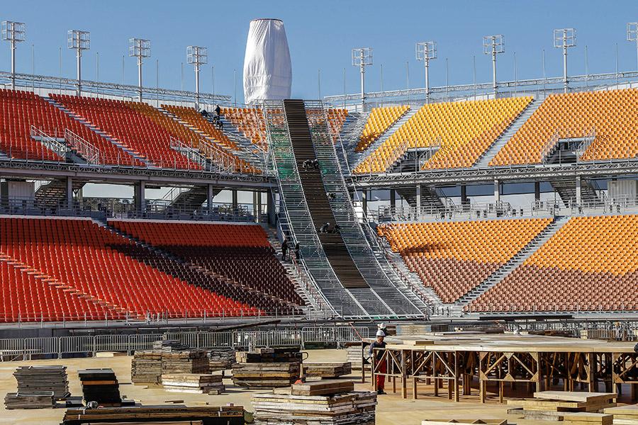 XXIII Зимние Олимпийские игры пройдут в южнокорейском Пхёнчхане с 9 по 25 февраля 2018 года. Церемония открытия и закрытия Олимпиады пройдет на главном стадионе в Пхёнчана. Его строительство началось в 2014 году, открыли стадион только в сентябре 2017 года. Он находится в двух километрах от курорта Альпенсия, где пройдет большинство соревнований Олимпиады.