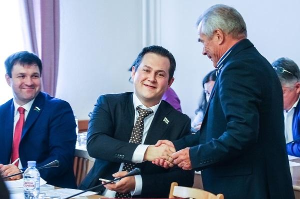 Лидер ЛДПР — в списке самых активных, спикер Думы — в аутсайдерах