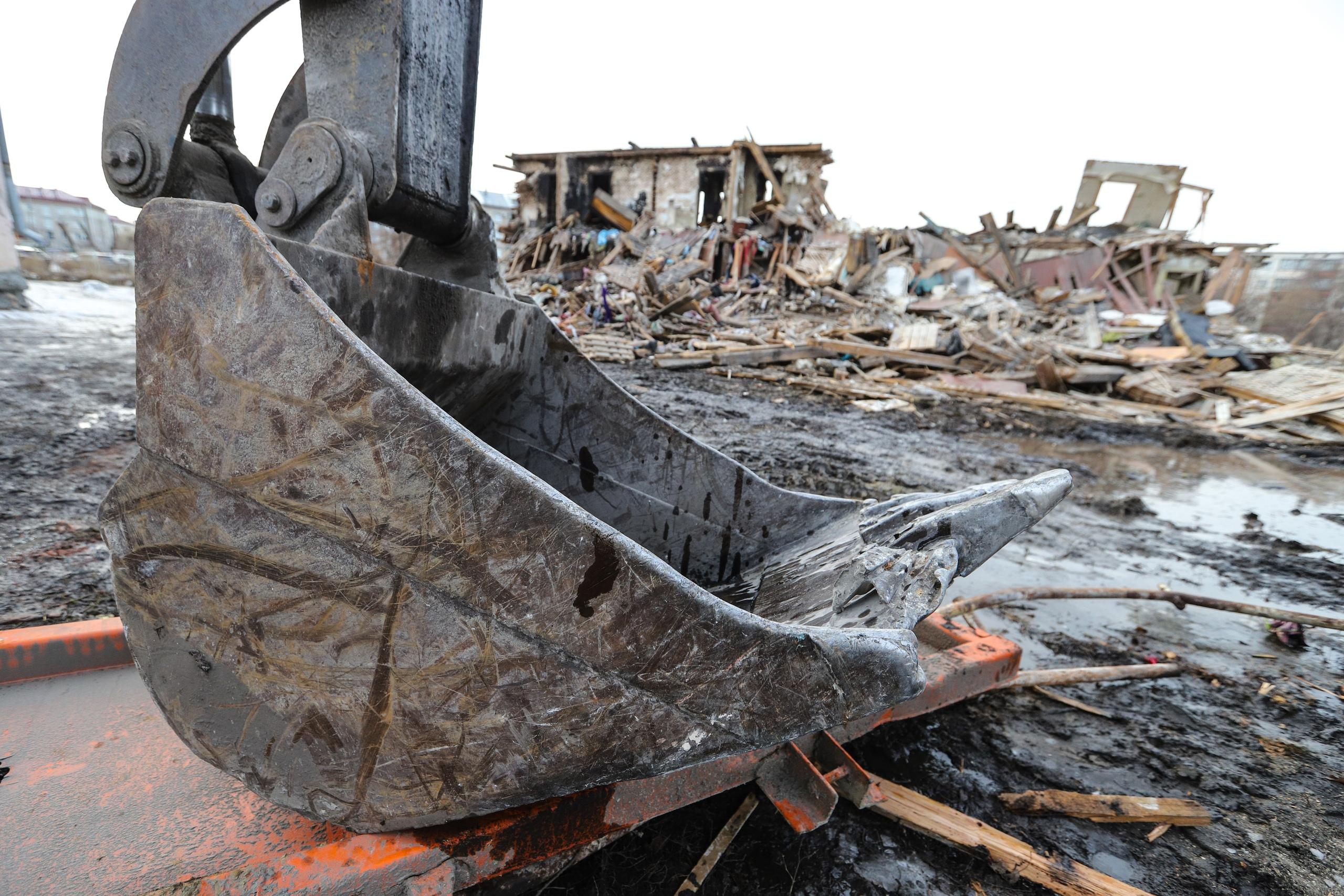 Арбитражный суд Тюменской области постановил снести постройки автодилера.