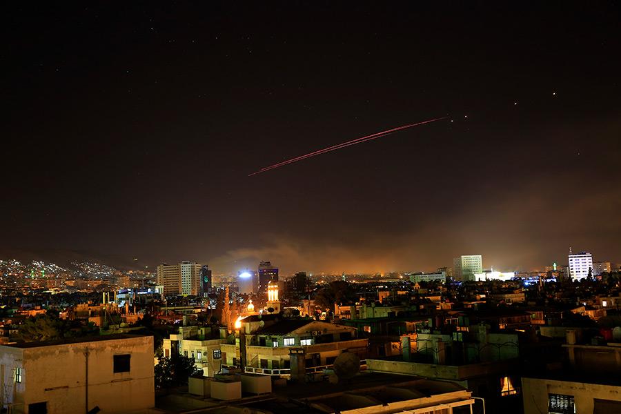 Удары США, Франция и Великобритания начали наносить в 03:25 по местному времени (совпадает с московским)