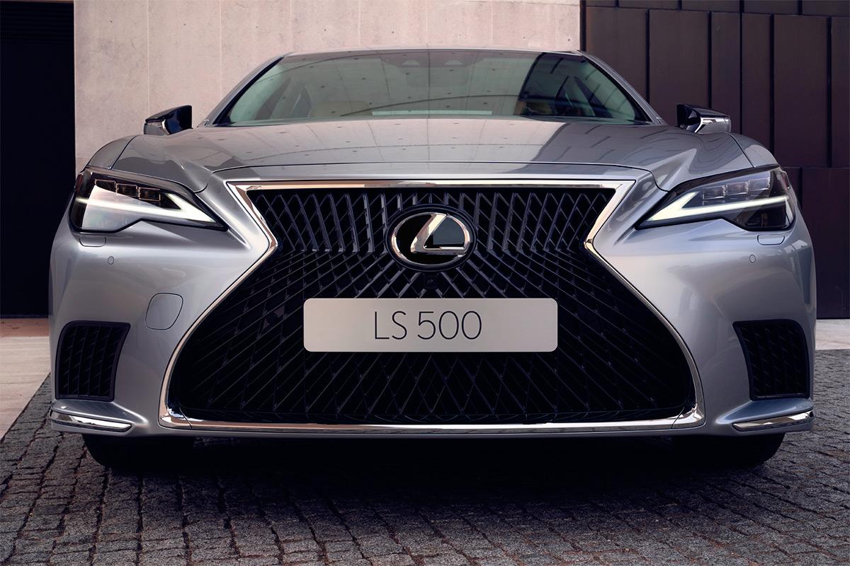 Новый Lexus LS