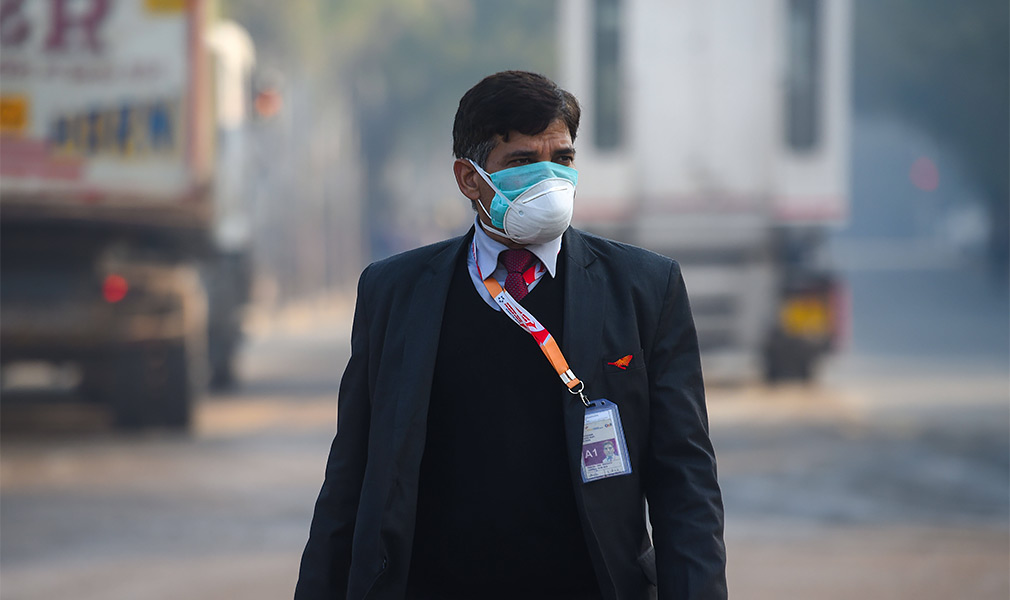 Популярность масок в Индии никак не связана с коронавирусом. Загрязненный фабриками воздух — причина около 12,5% смертей по всей стране.