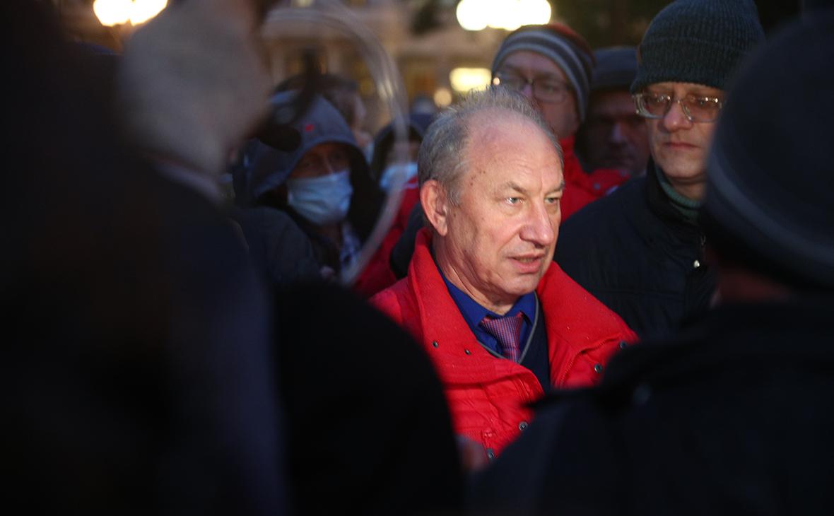 Валерий Рашкин во время несогласованной акции протестаКПРФ