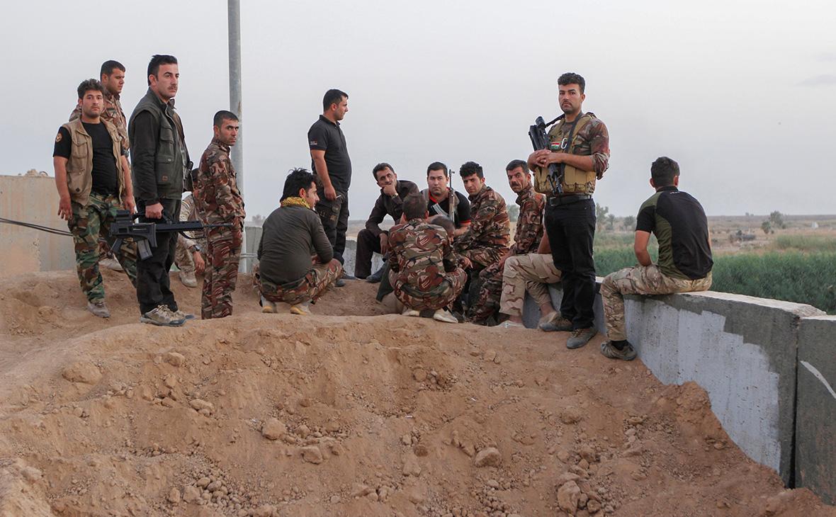 Курдские отрядыпешмерга на юго-западе Киркука. 13 октября 2017 года