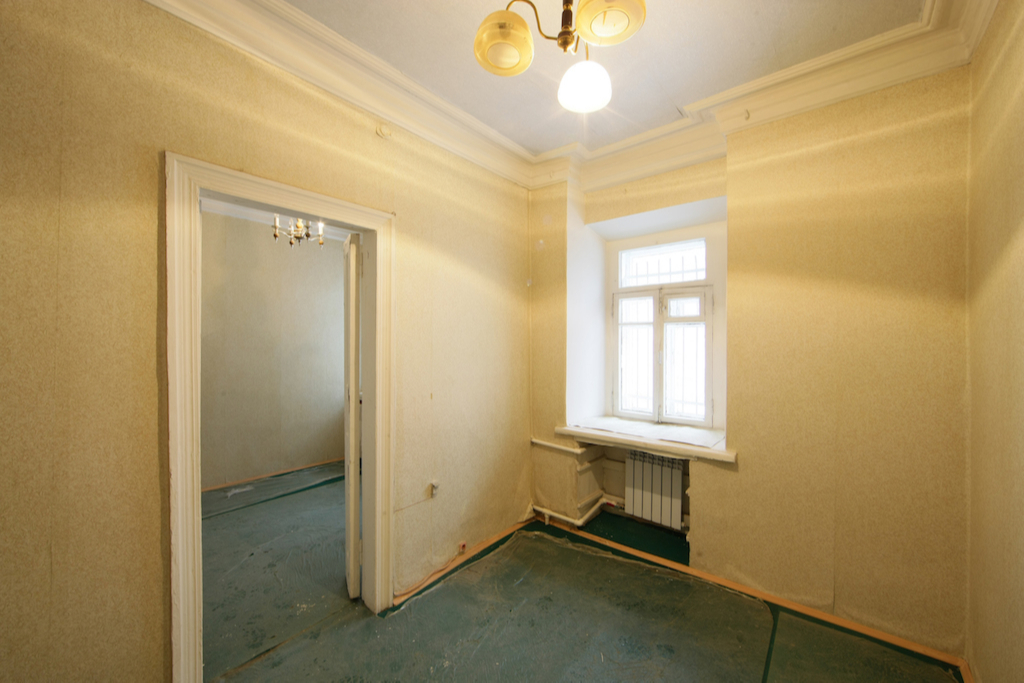 Квартира в доме у «Трубной» по стартовой цене 8 млн руб.