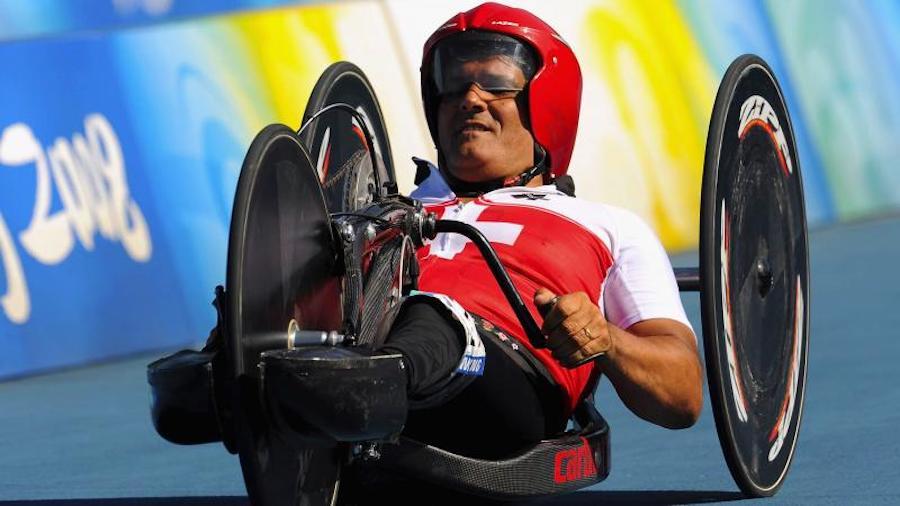 Спортсмен-колясочник Франц Нитлиспах из Швейцарии на Играх 1988 года