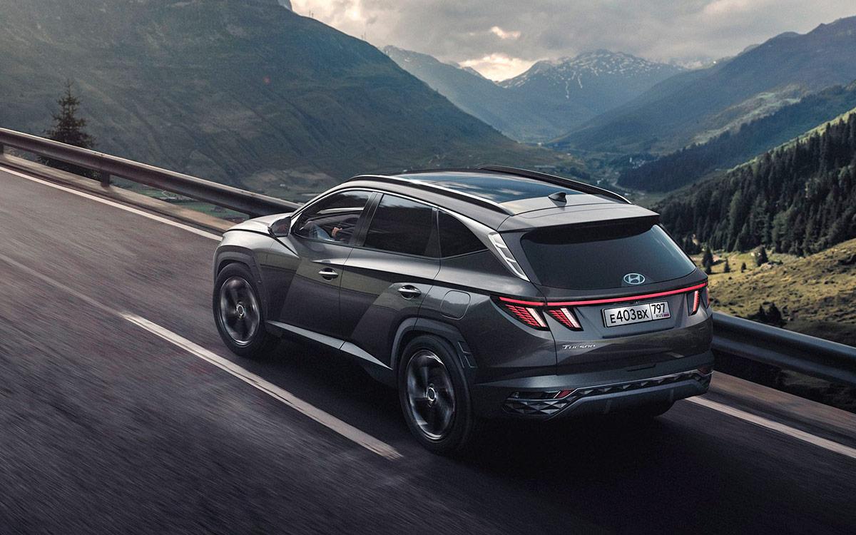<p>2021 Hyundai Tucson</p>