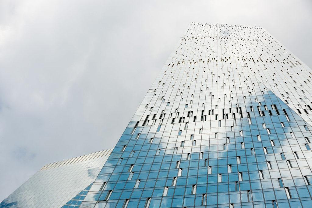 10-е место: 245м   ОКО (Северная башня) Количество этажей: 49 Адрес: «Москва-Сити», 16-й участок Средняя цена: 545тыс.руб. /кв. м