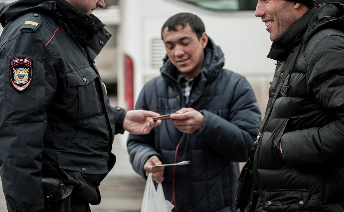 Проверка документов у иностранцев в Москве
