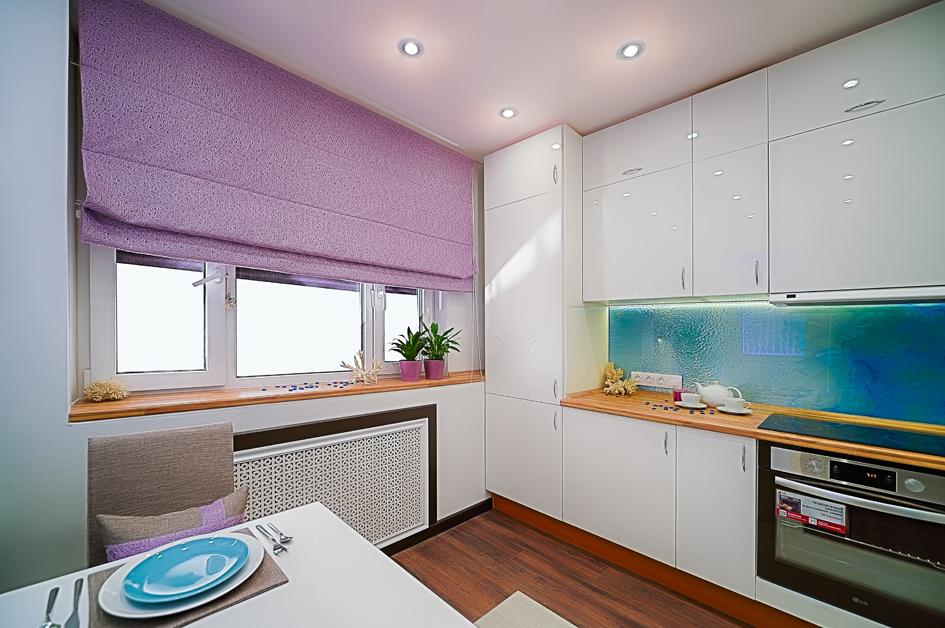 В этой кухне основной темой стала технологичность, смягченная нежно-бирюзовой цветовой гаммой