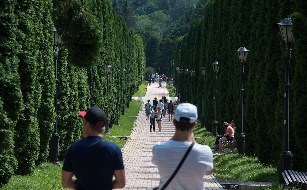 Посетители в Кисловодском национальном парке