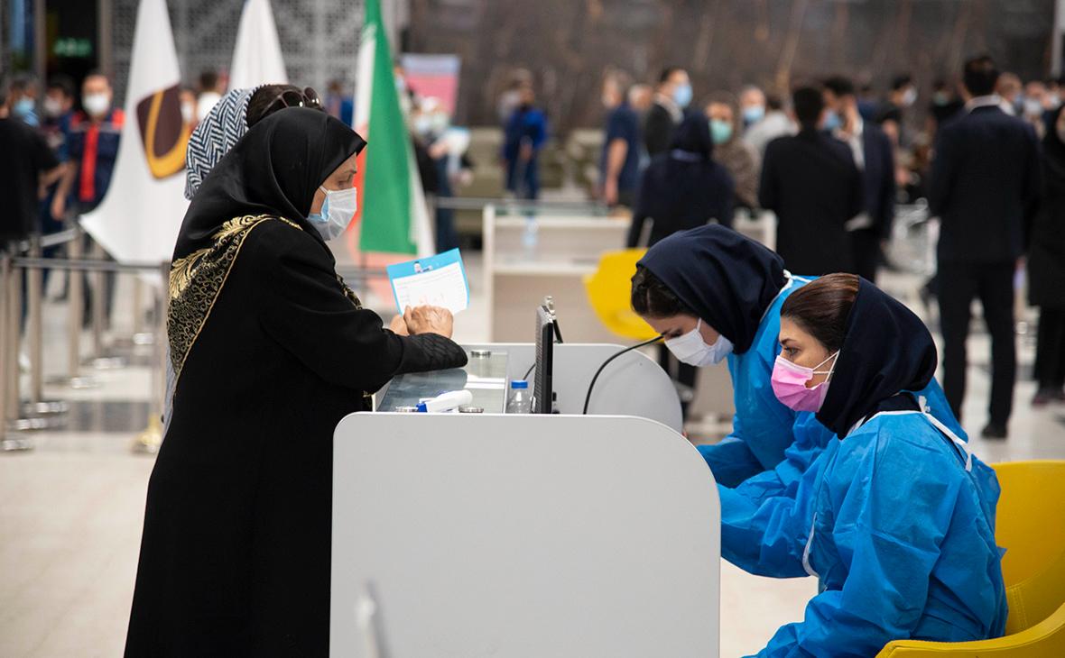 """Иран возмутился из-за фото послов России и Британии в Тегеране""""/>"""