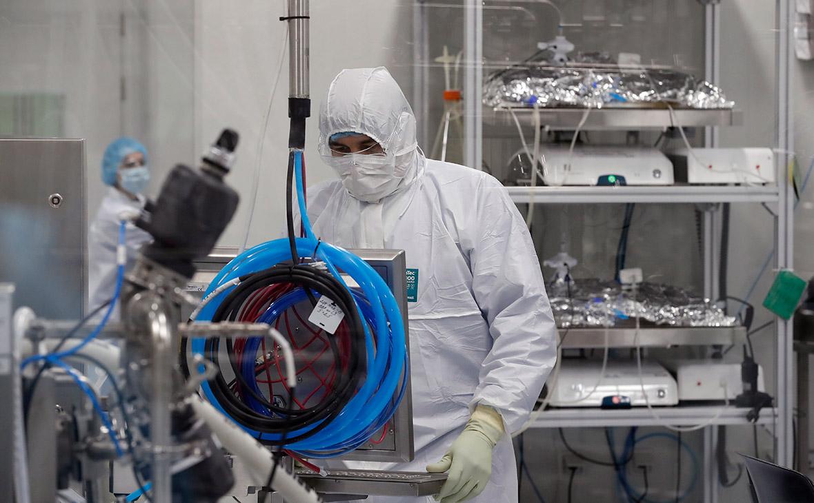 Сотрудники биотехнологической компании Biocad
