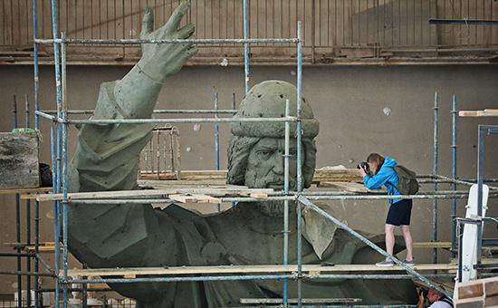 Модель памятника Великому князю Владимиру, который планируется установить на Воробьевых горах в Москве