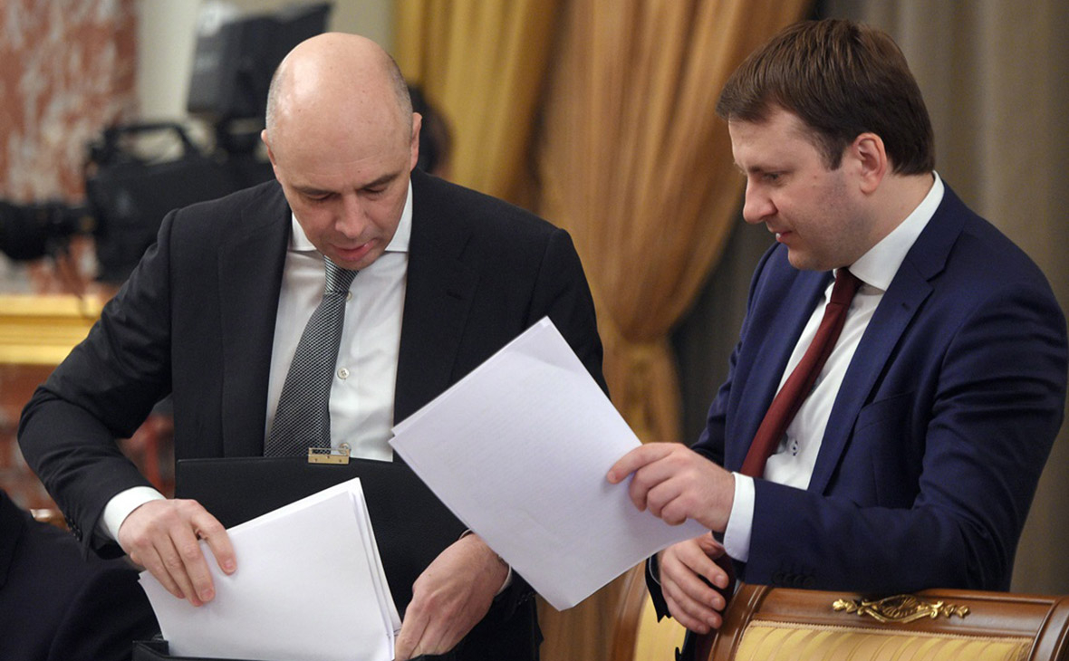 Антон СилуановиМаксим Орешкин (справа)