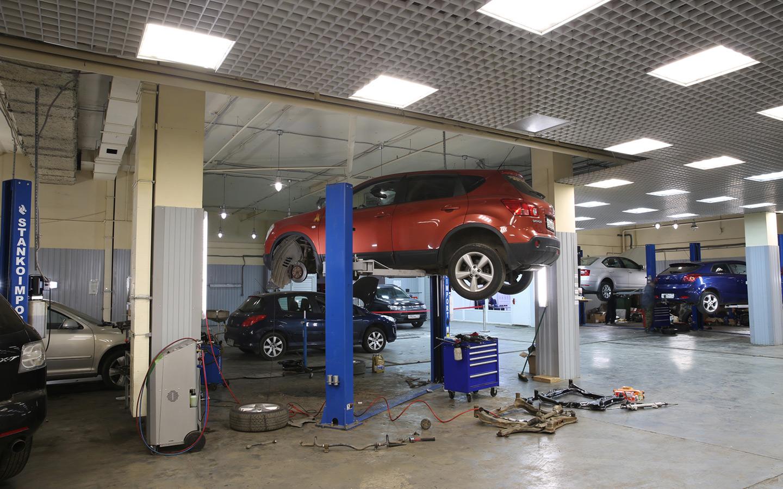 <p>По закону износ может составлять до 50% стоимости детали. При ремонте машины в сервисе от страховой, износ не учитывается.</p>