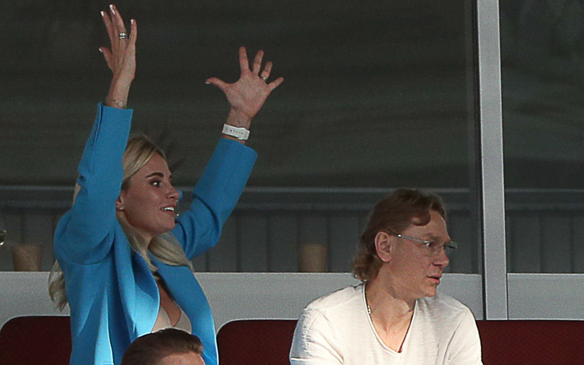 Валерий Карпин с женой