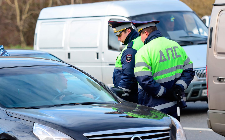 <p>У инспекторов ГИБДД нет даже юридического основания проверить техосмотр у обычного водителя-физлица.</p>