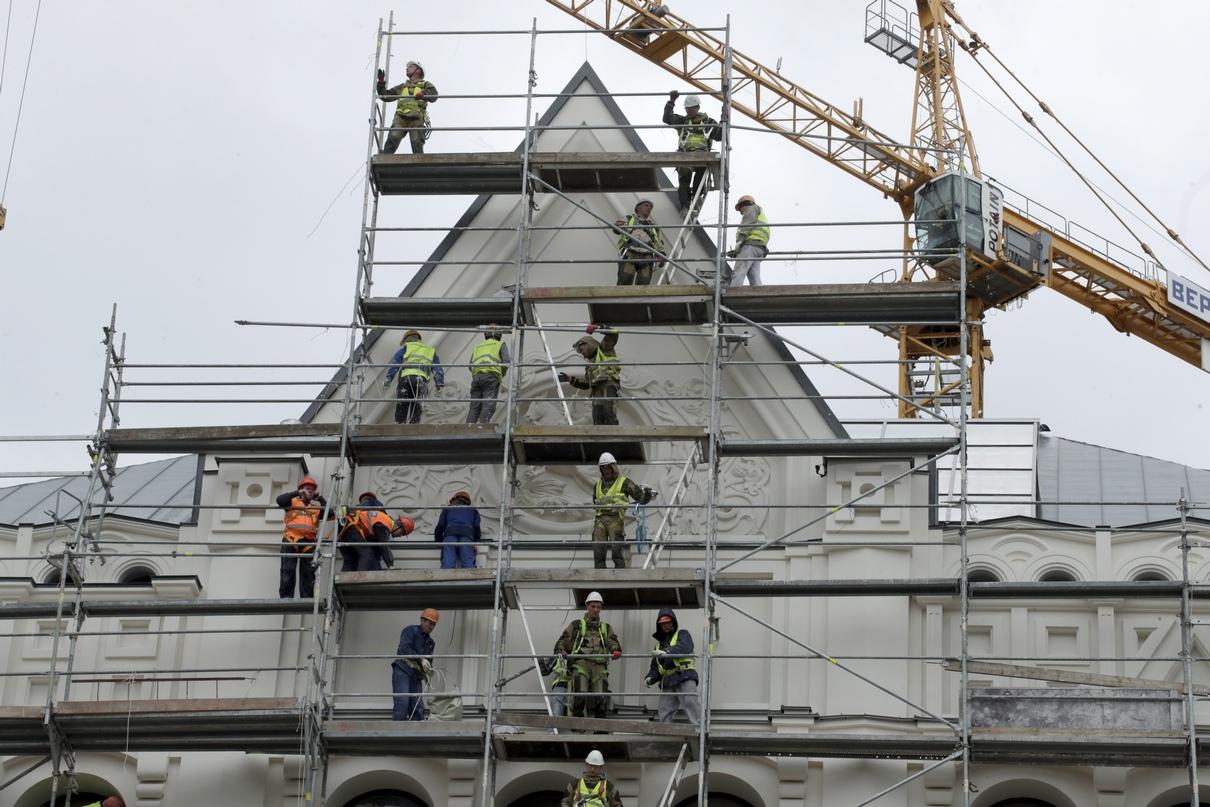 Реставрация фасадов началась в 2017 году, до этого рабочие обновили фундамент здания, освободили от грунта два подземных этажа, чтобы увеличить площадь музея, а также укрепили несущие конструкции