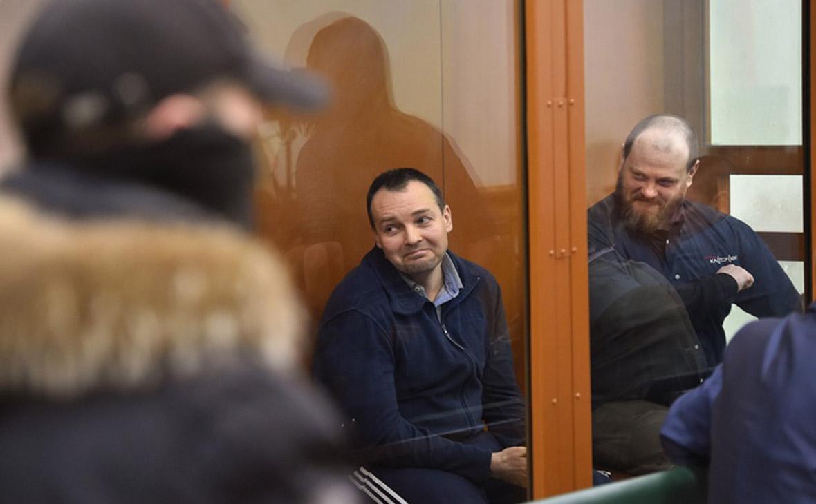 Руслан Стоянов иСергей Михайлов (слева)