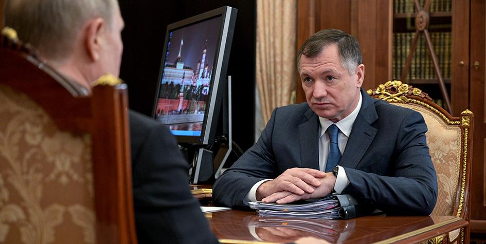 Президент России Владимир Путин и вице-премьер РФ Марат Хуснуллин (слева направо) во время встречи в Кремле