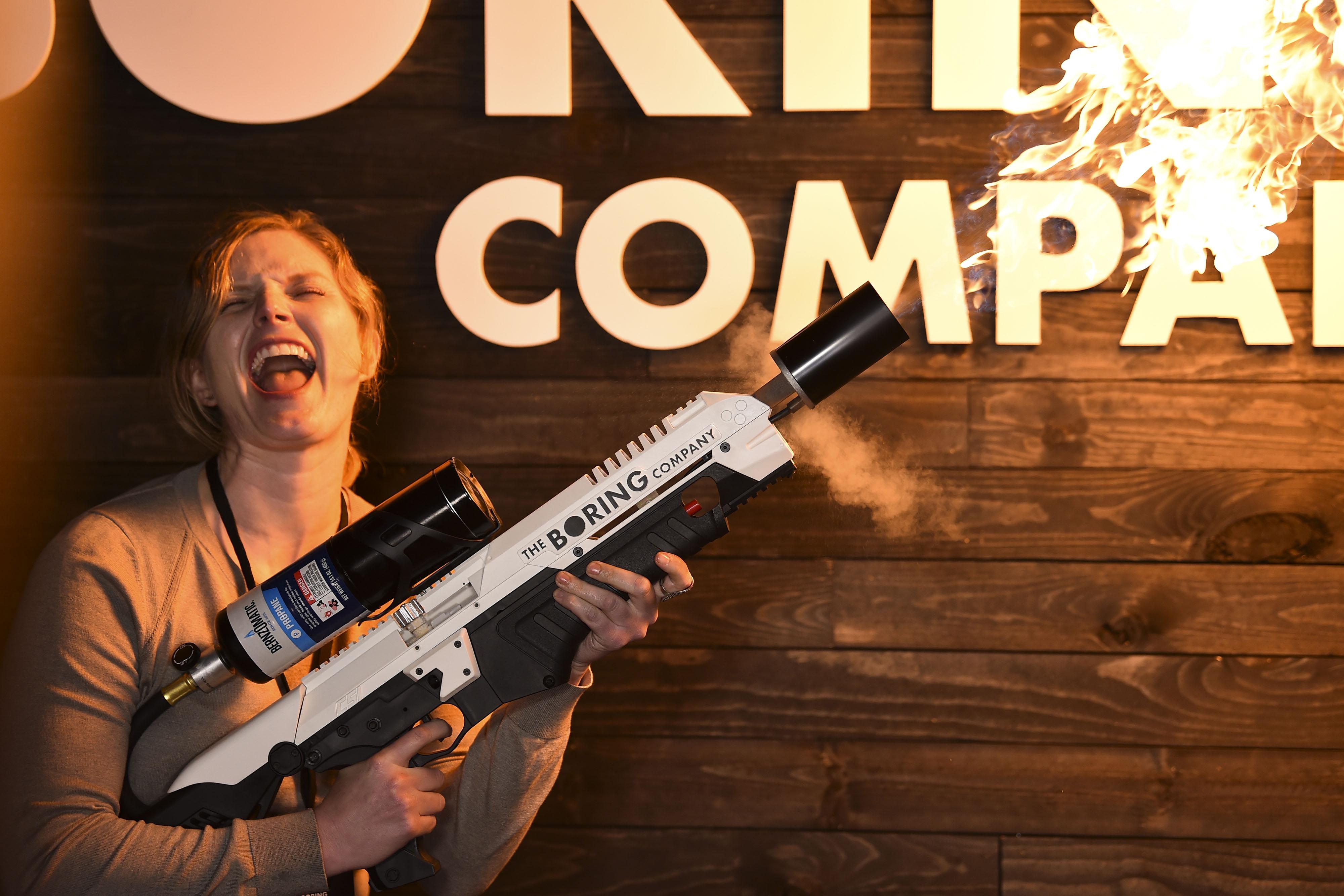 Огнемет, разработанный The Boring Company
