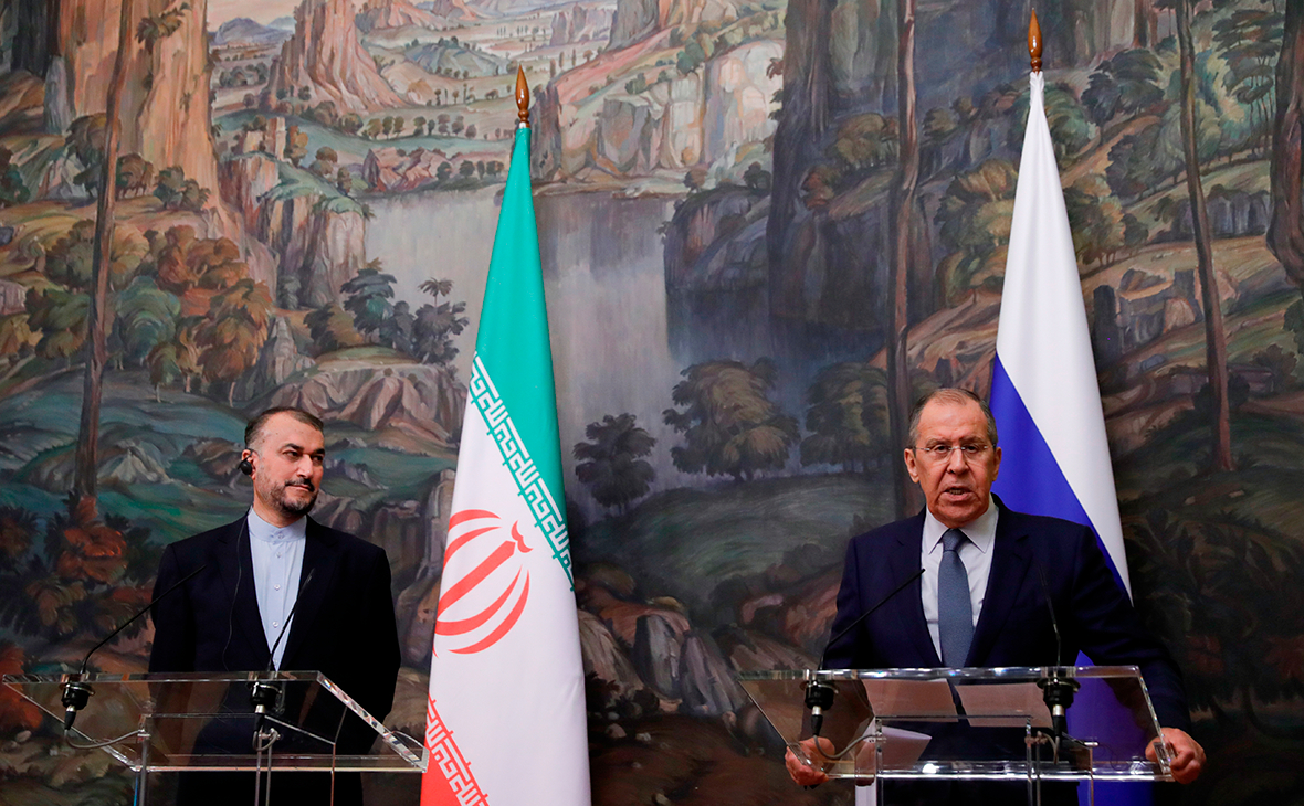 Иранский министр привез в Москву согласие на переговоры три плюс три