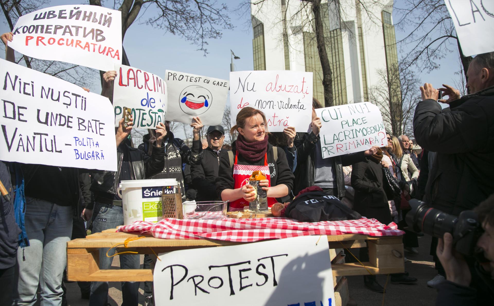 Протестыпротив результатов февральских парламентских выборов в Кишиневе