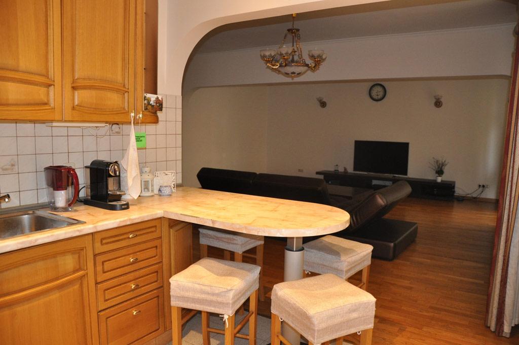 Площадь квартиры— 98кв. м—сопоставима сметражом современных квартир вдомах бизнес-класса