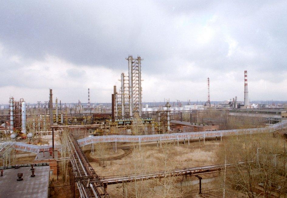 Нефтеперерабатывающий завод в Капотне. 1995 год