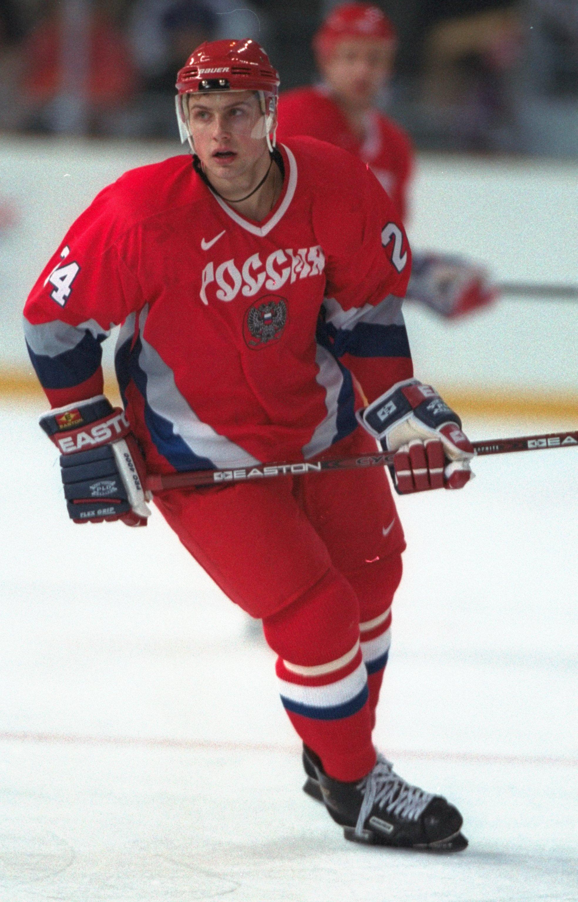 Алексей Морозов во время игры за сборную России на Олимпиаде в Нагано