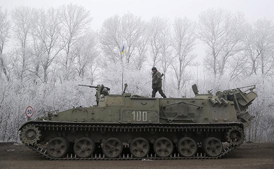 Киев согласится на отвод войск только после двух дней затишья в Донбассе