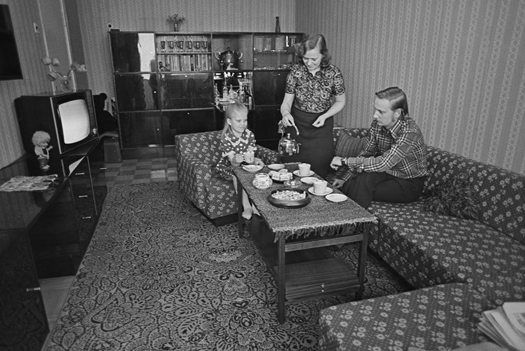 Семья Тоомаса Тамма вновой квартире вЛаснамяэ, Эстонская ССР