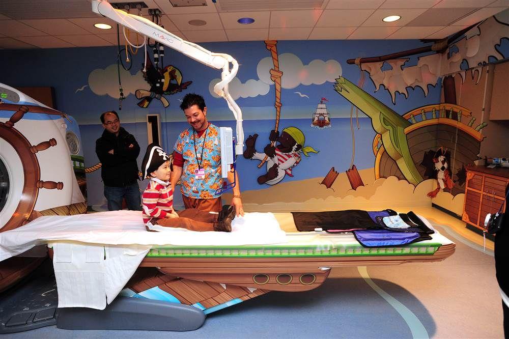 «Остров пиратов»— один из 13 специально оформленных радиологических кабинетов в Детской больнице Питтсбурга