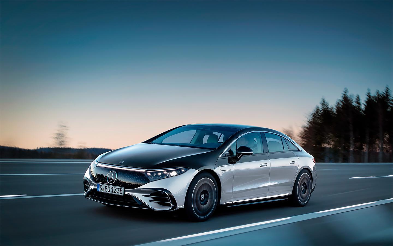 <p>Автомобиль массой две с половиной тонны (2480 кг) может проехать на одной зарядке до 770&nbsp;км.</p>