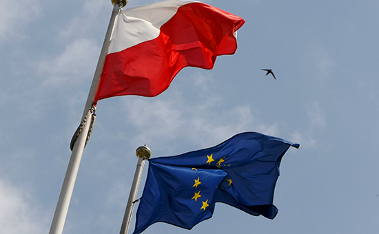 Флаги Польши иЕвросоюза