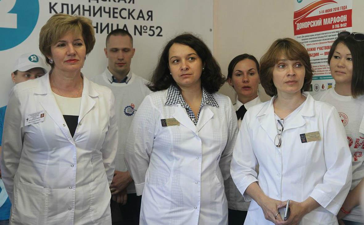 Елена Мисюрина(в центре)