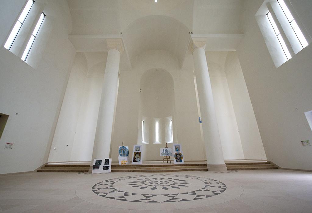 Архитектурный проект Вильмотта полностью отвечал требованиям французского законодательства и парижским градостроительным нормам  На фото: интерьеры православного центра