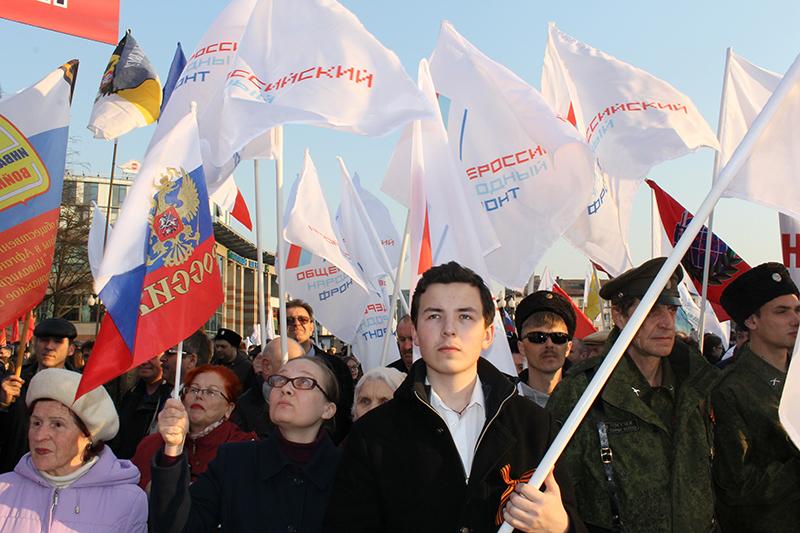 Один изсамых массовых митингов, которыйорганизовывалОНФ, прошел наПоклонной горе 6 мая 2012года, наканунеинаугурации Владимира Путина. В тотжедень состоялась акция оппозиции наБолотной площади, послекоторой заорганизацию беспорядков были осуждены десятки активистов