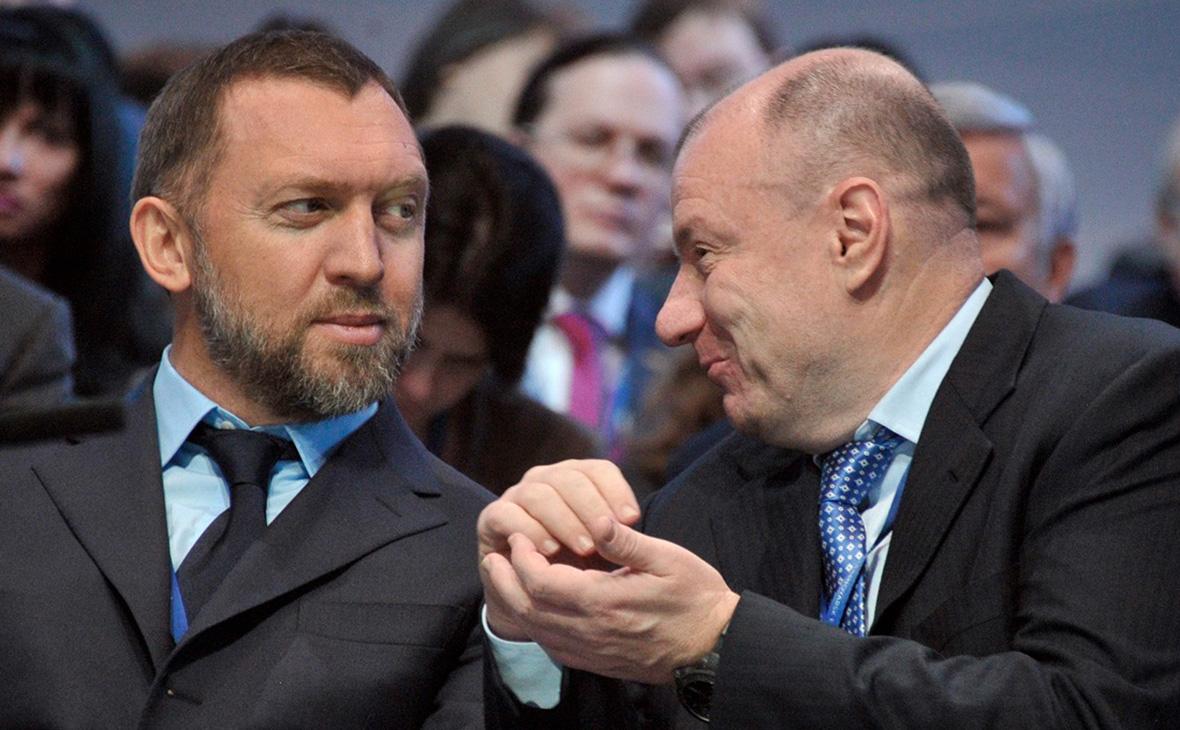 Олег Дерипаска (слева)и ВладимирПотанин. 2013 год