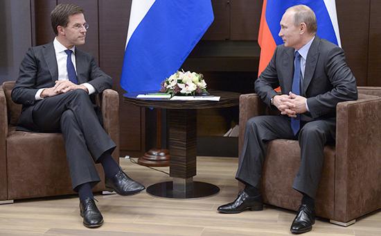 Премьер-министр Нидерландов Марк Рютте и президент России Владимир Путин (слева направо). Архивное фото