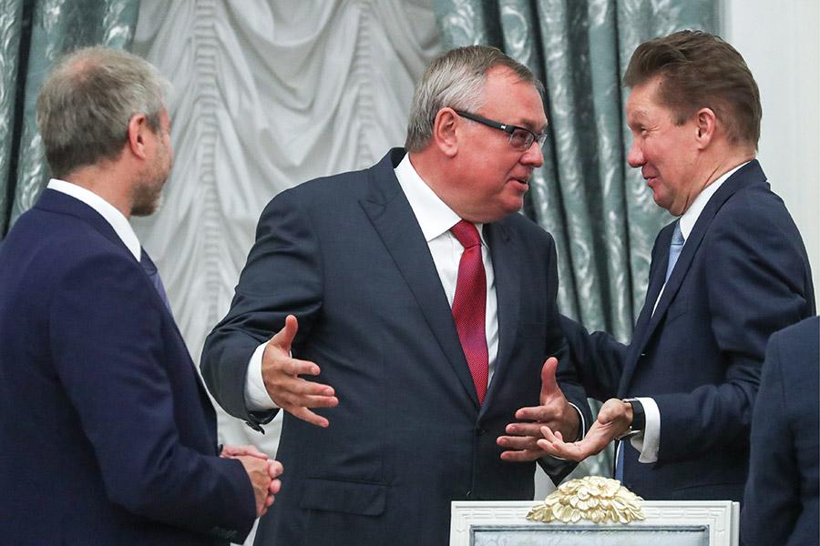 МиллиардерРоман Абрамович, президент — председатель правления ВТБ Андрей Костин и председатель правления «Газпрома» Алексей Миллер