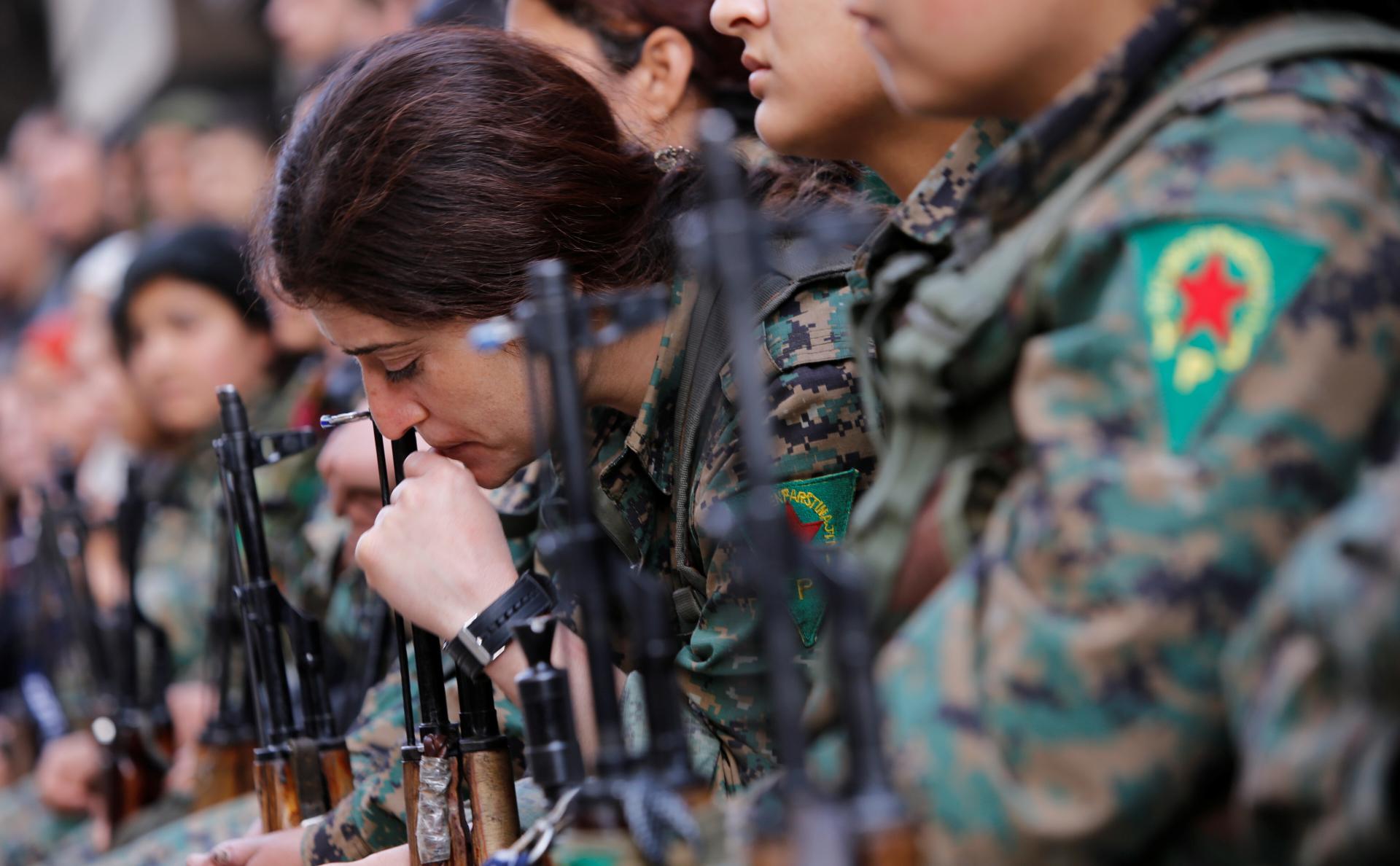 Бойцы курдских отрядов самообороны