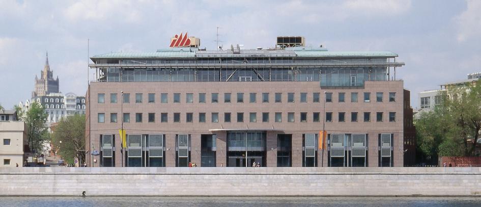 Из портфолио АБ «Остоженка»: здание Международного Московского банка. 1995 год
