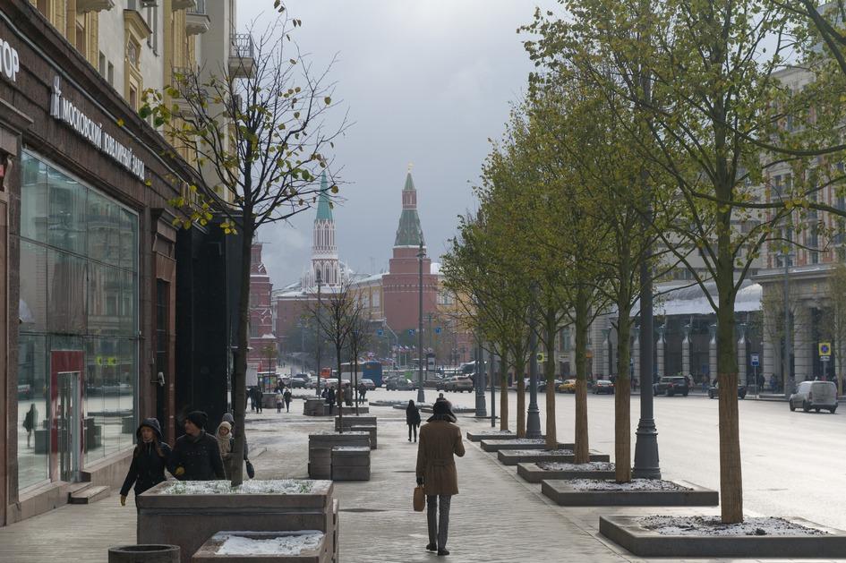 На пятом месте — Тверская улица: здесь арендные ставки варьируются от 60 тыс. до 120 тыс. руб. за 1 кв. м в год