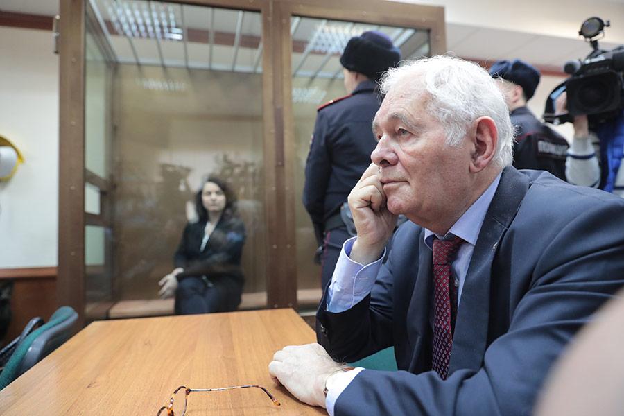 Леонид Рошаль в зале суда