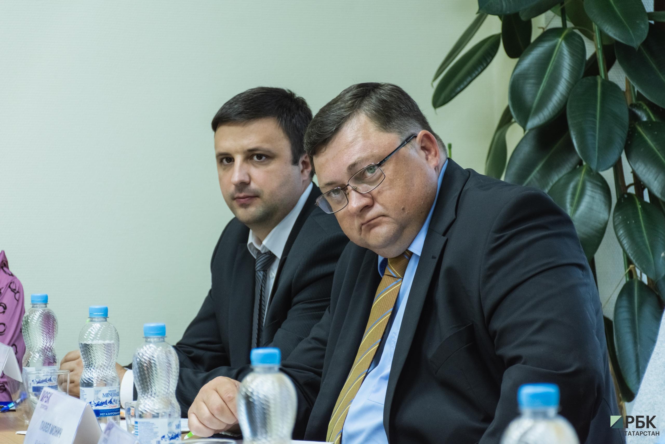 слева-направо:Анатолий Никитин (минсельхозпрод РТ), ПавелМонич(«ЭссенПродакшнАГ»)